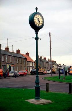 Green Albert Pillar Clock