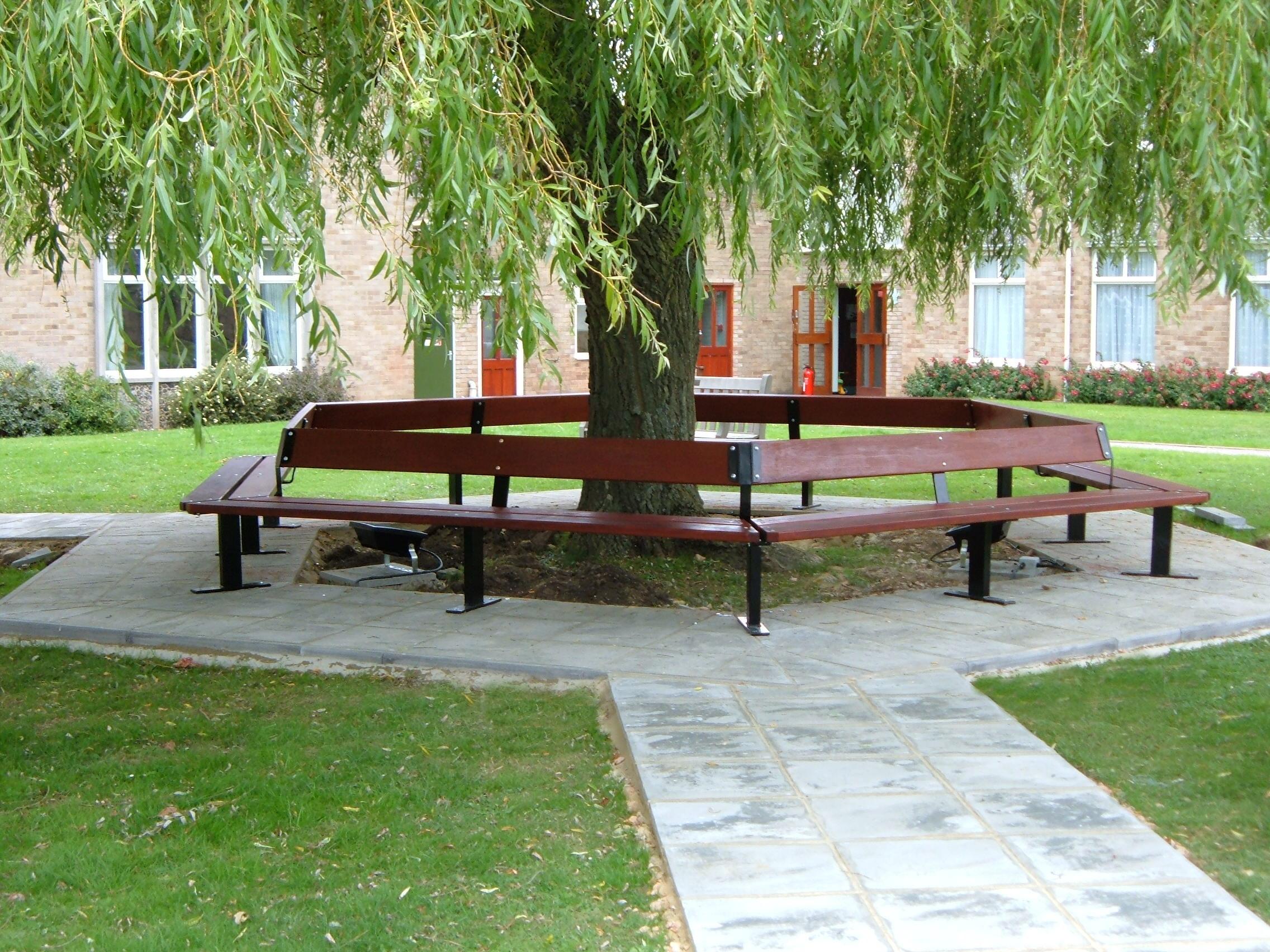Beaufort Tree Seat (1)