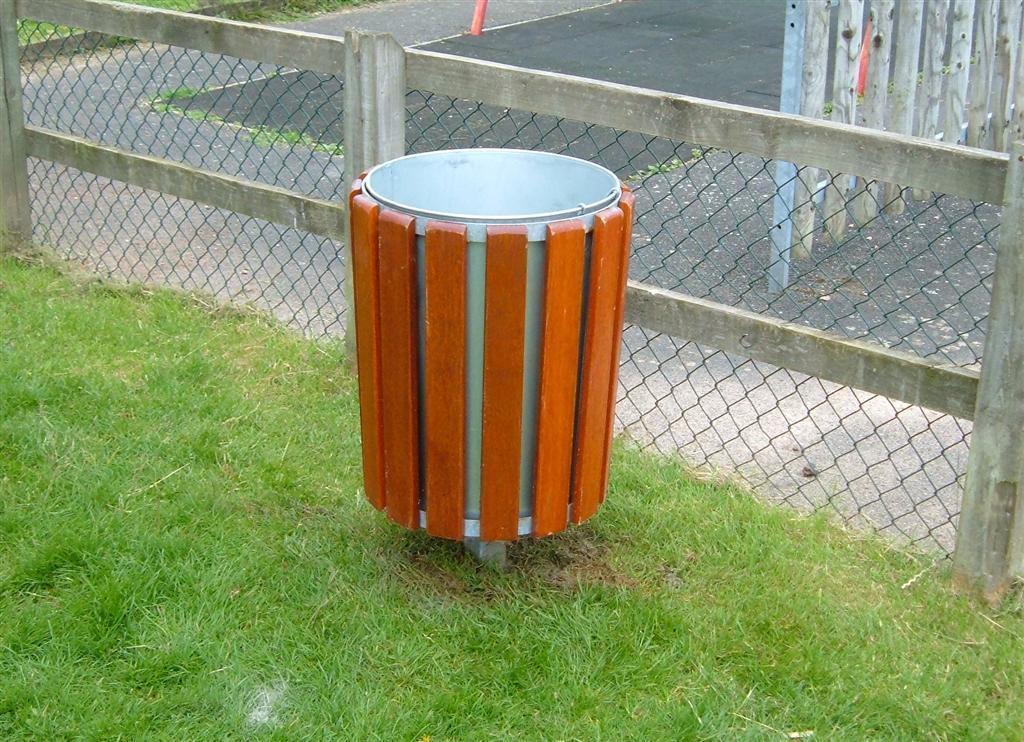 Neptune wooden bin (2)