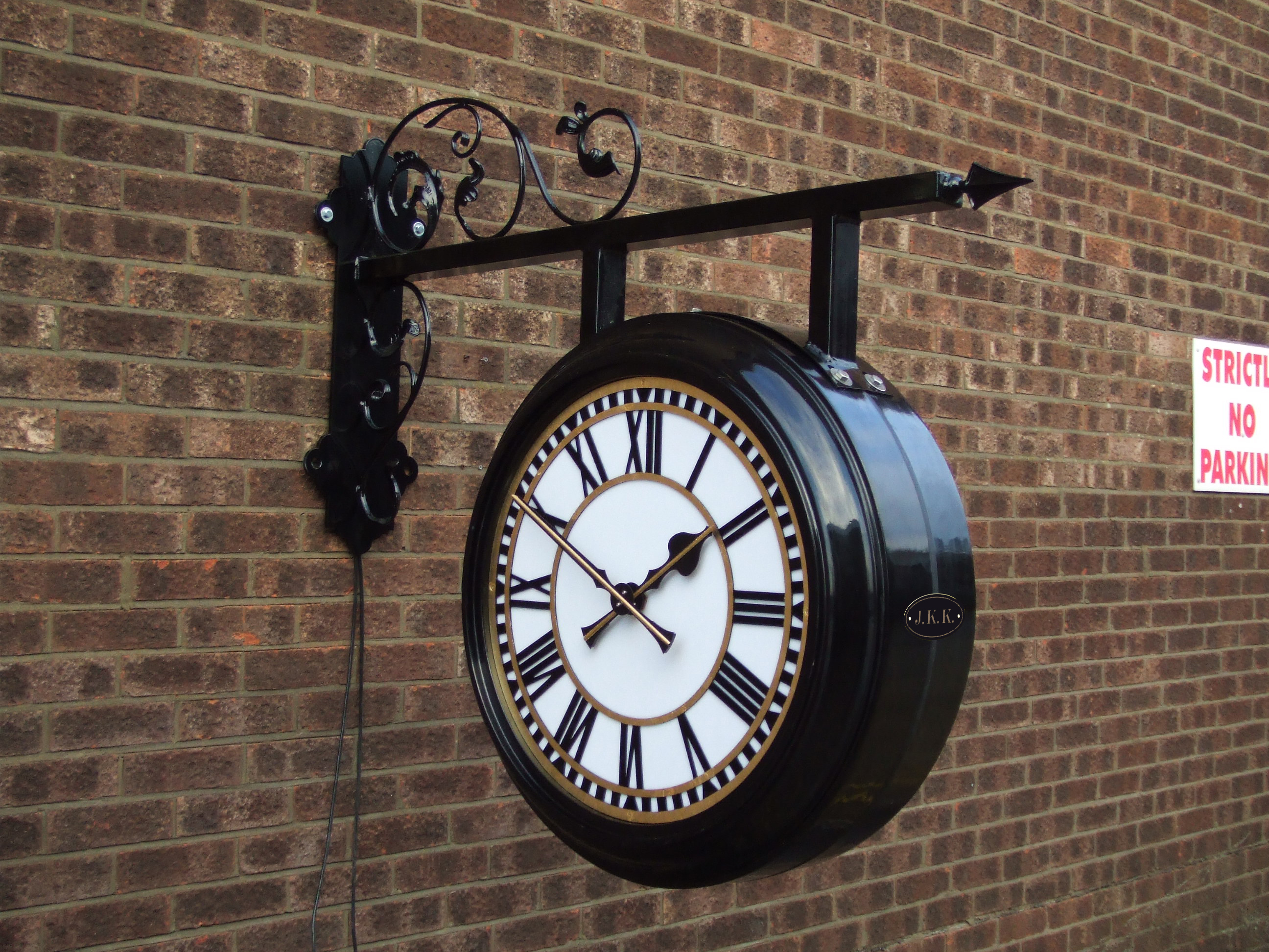 Hanging double sided drum clock