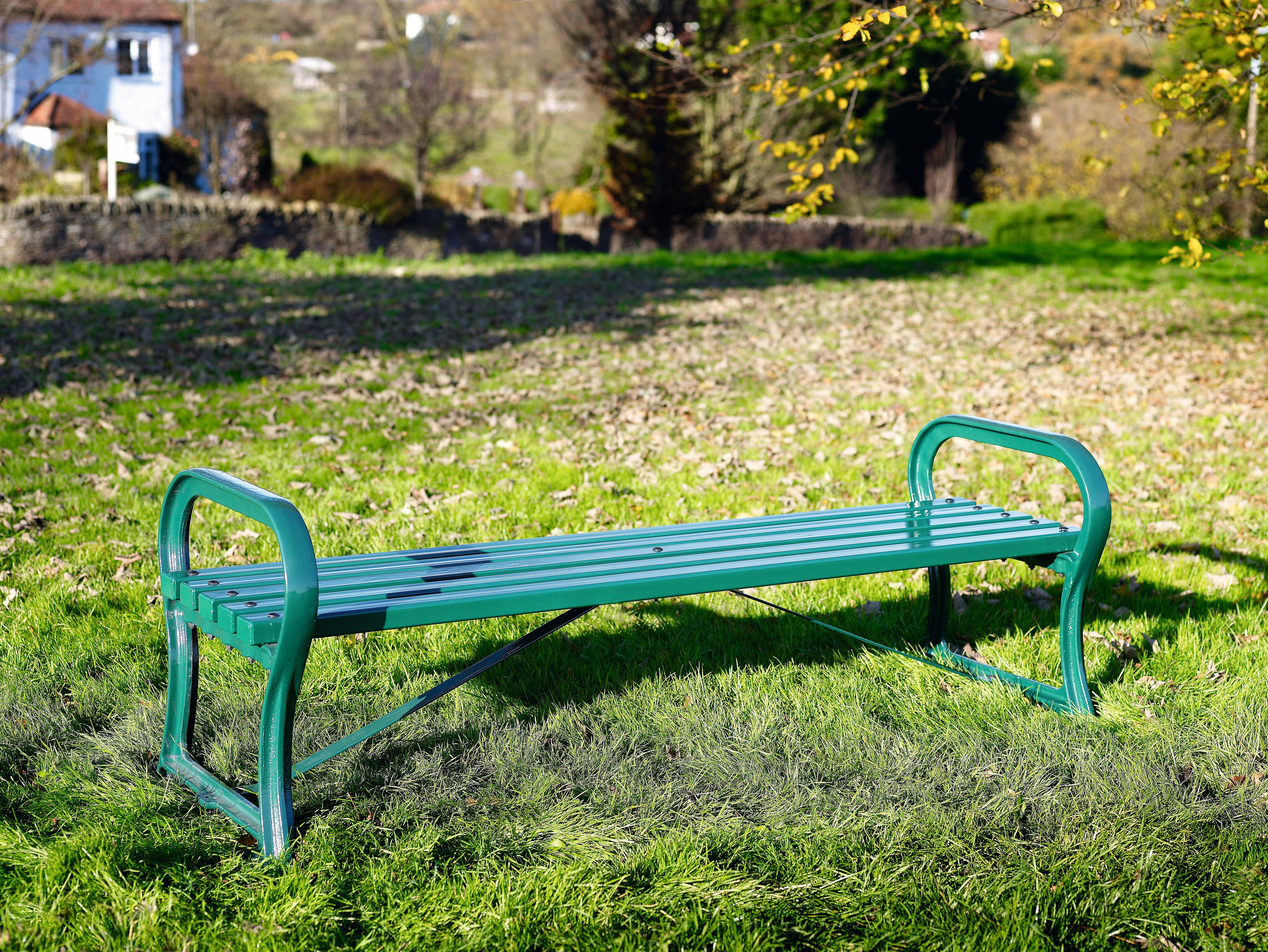 Avenue bench metal (1)