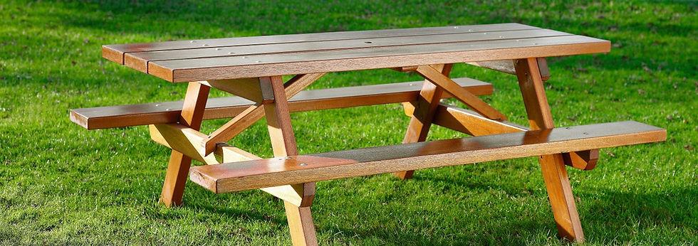 Hardwood picnic table
