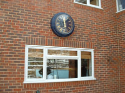 Bezel clock with cover glass