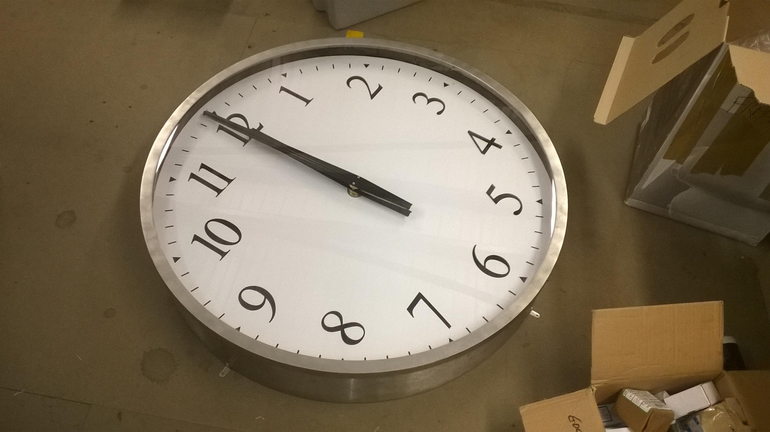 Silver bezel clock