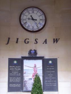 Clocks for shopping centres