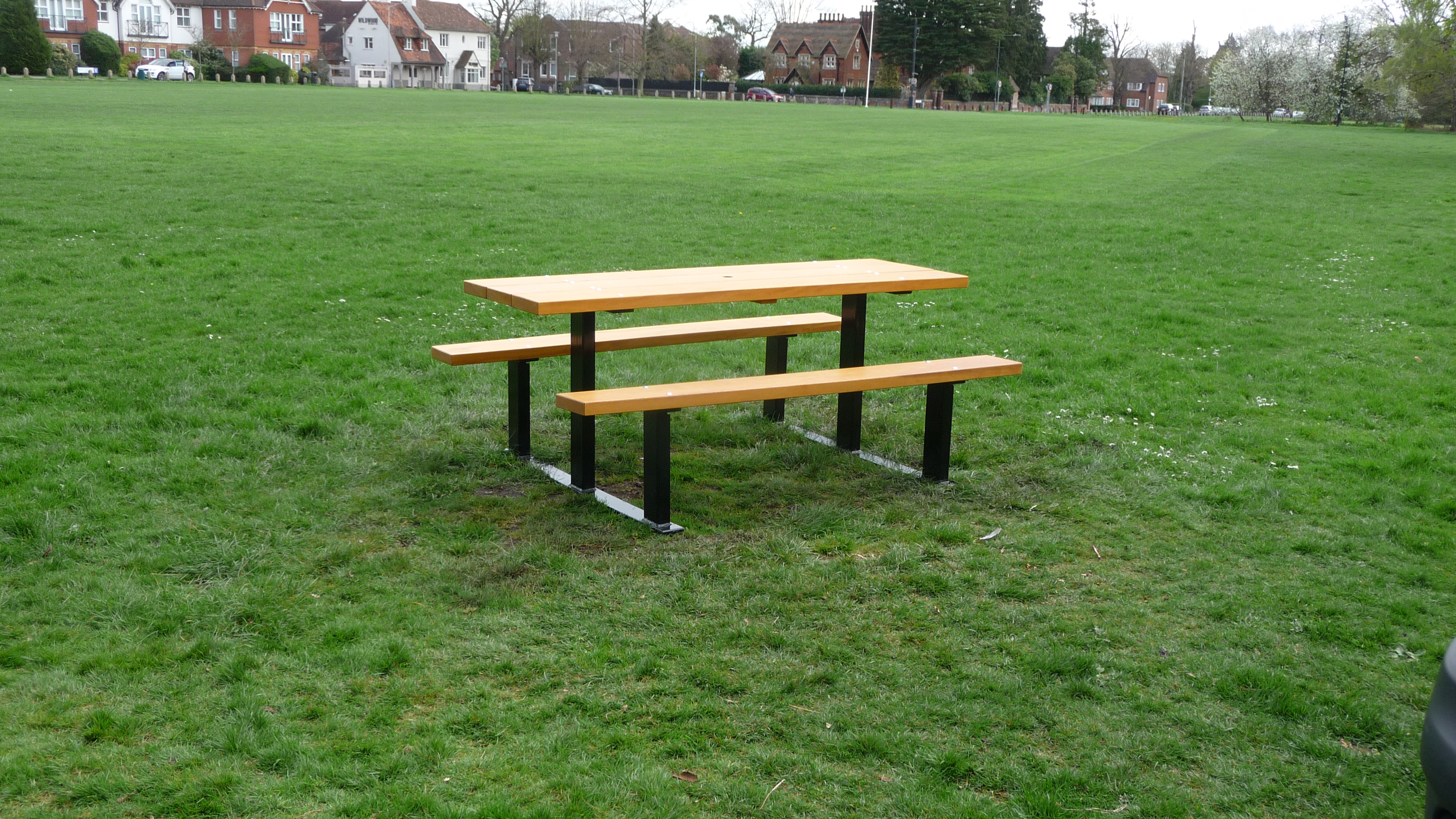 Beaufort Picnic Table (1)