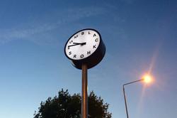 Illuminated pillar clock