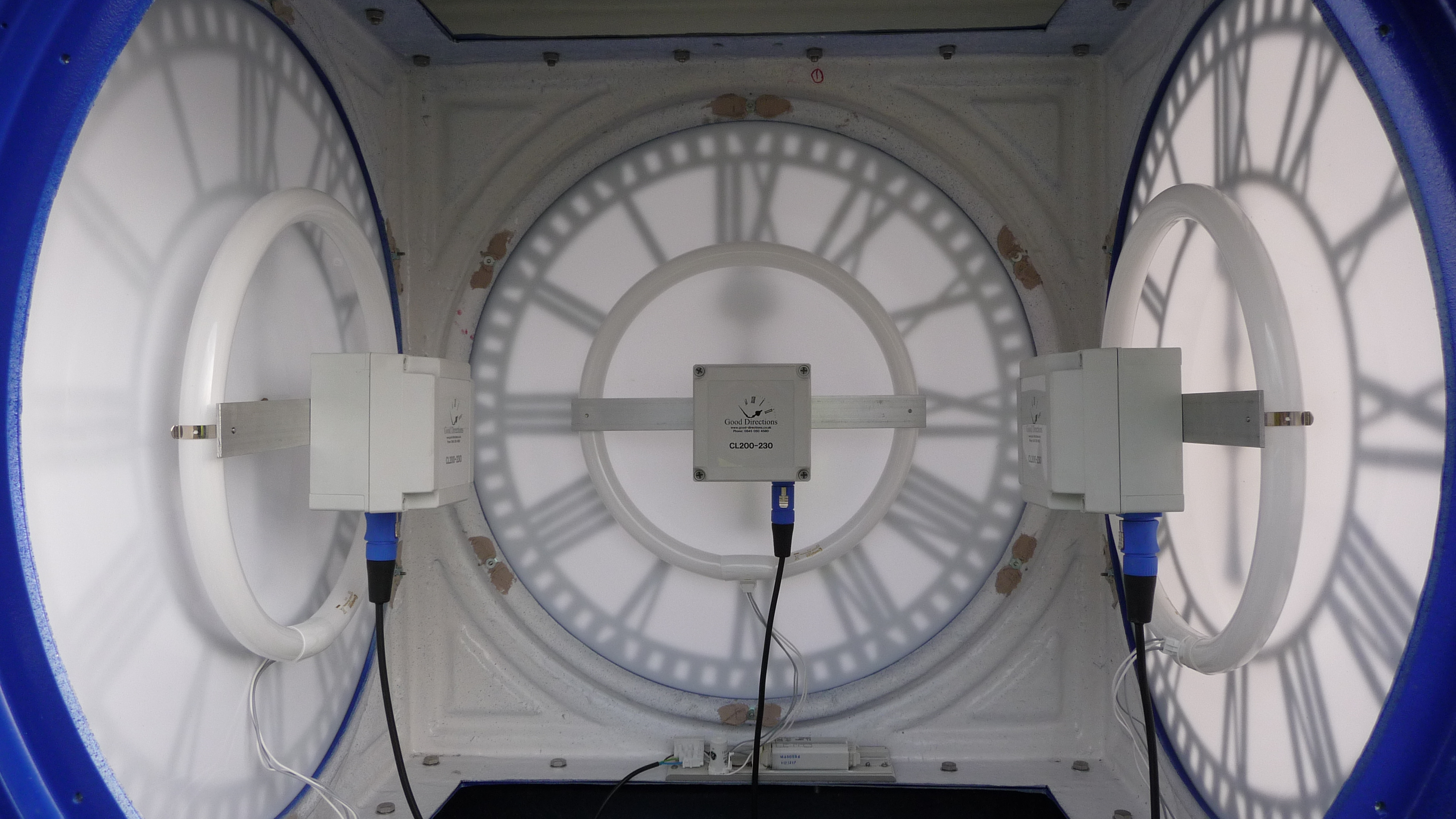 Inside a four dial pillar clock