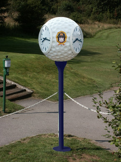 Royal Winchester Golf Ball clock