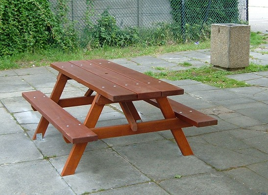 Woodland Picnic Table (3)