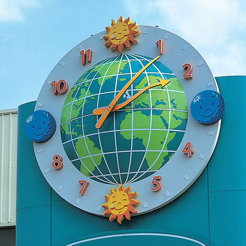 Bespoke feature clock for shopping centre