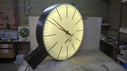Exterior drum clock