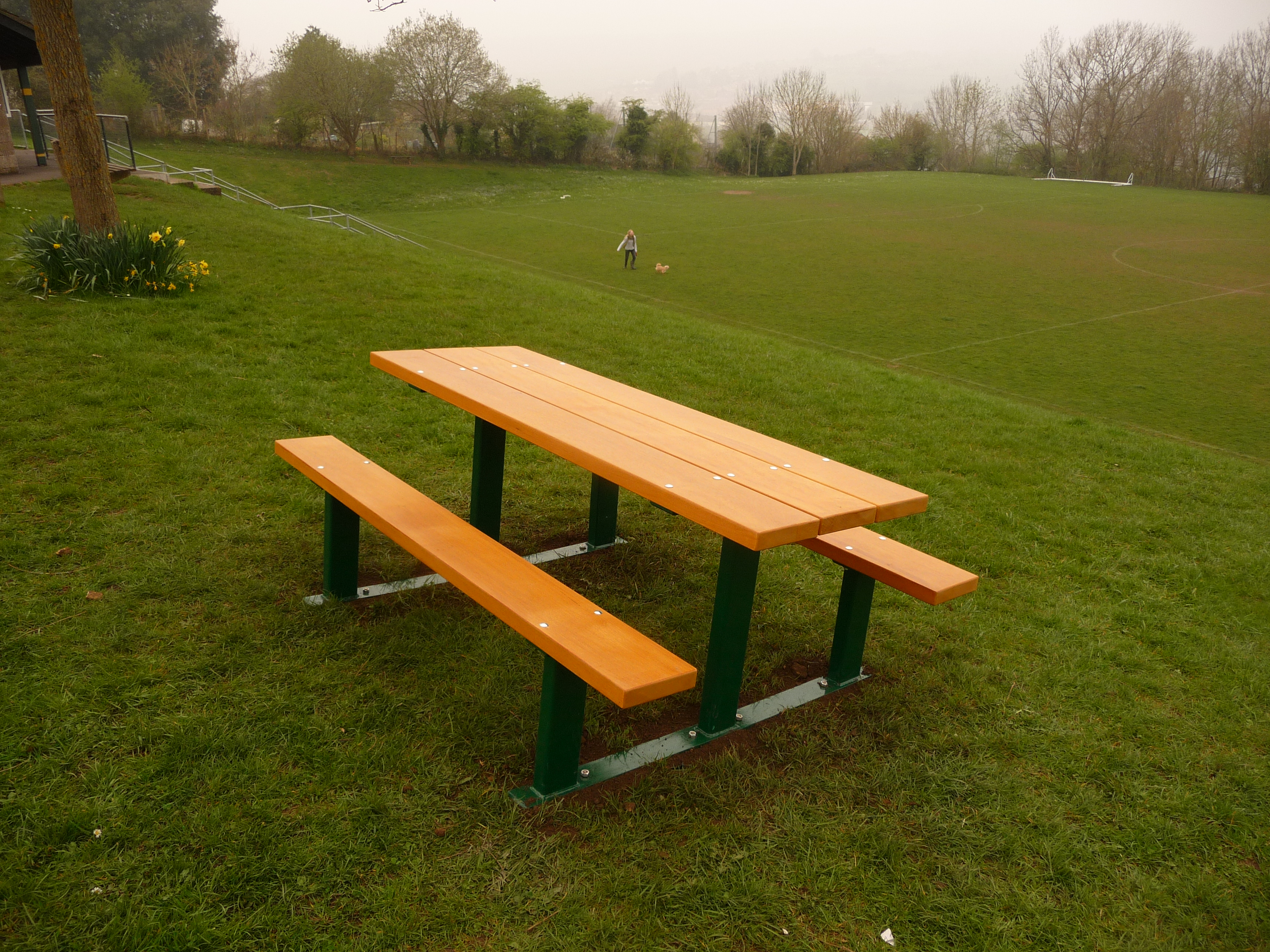 Beaufort Picnic Table (2)