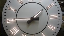 Front illuminated clock