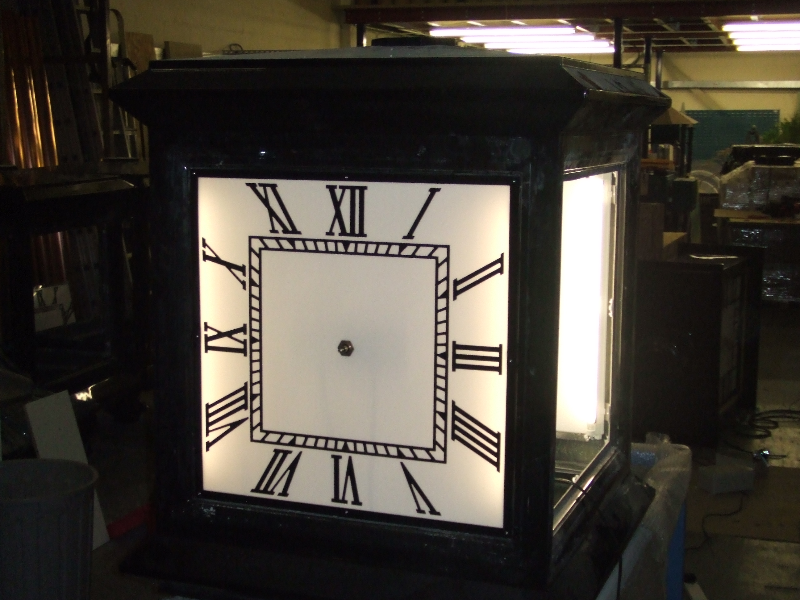 Four sided pillar clock