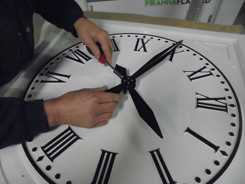 Large exterio clock