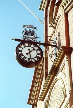 Fancy double sided drum clock
