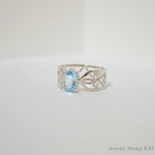 唐草の指輪(クロス・アクアマリン)