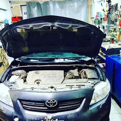 Toyota Corolla горит Abs, ошибка по переднему правому датчику скорости колеса. Обрыв проводки._Работ
