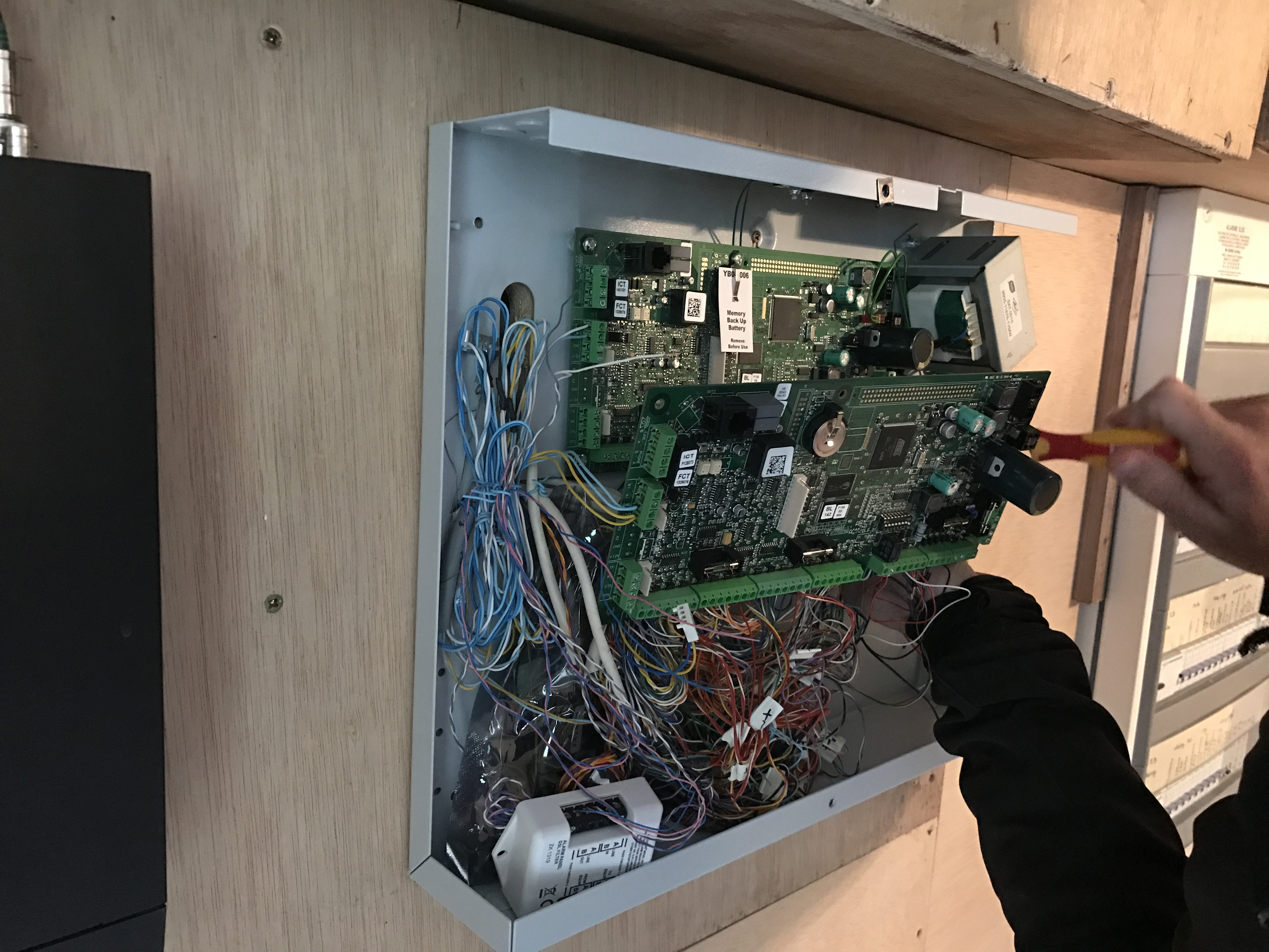 Installation alarme grasse 06