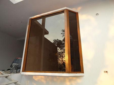 ventana bay windows.jpg