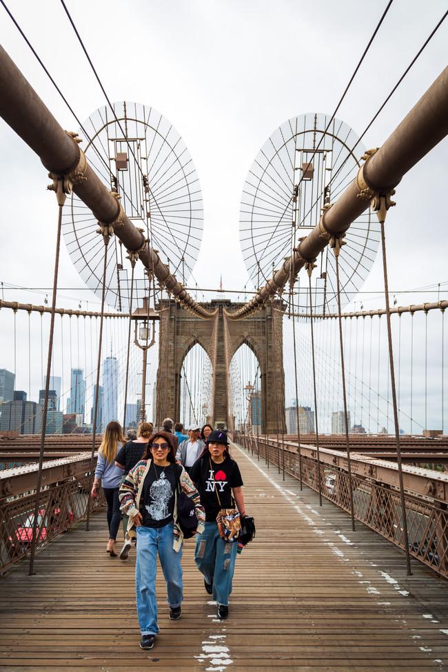 BrooklynBridgeGirls.jpg