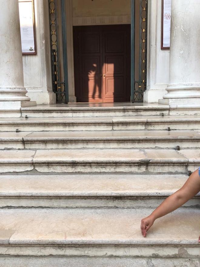 Drawing an Alpona at the University Gallery Steps, Venice