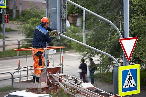 installation-traffic-light-lift-afternoo