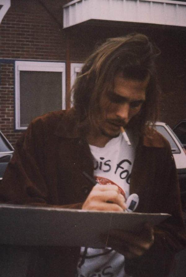 Jeff signing autographs backstage.jpg