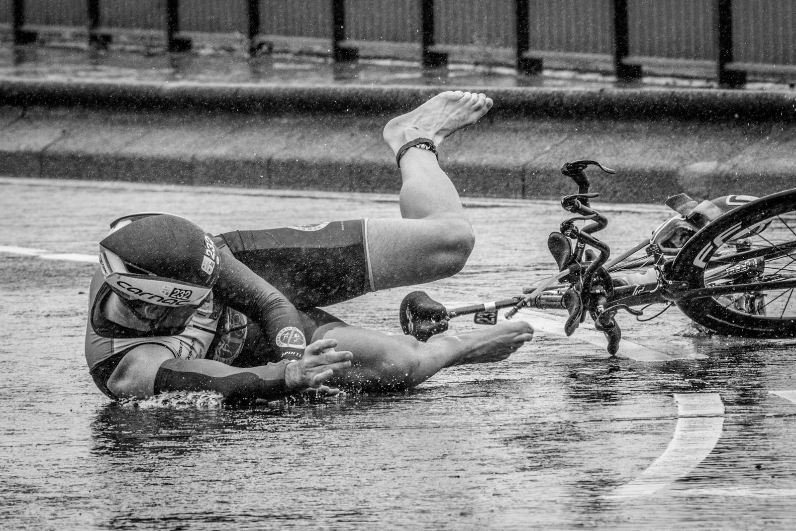MONO - Belfast Triathlon 2018 by Frances Price (15 marks)