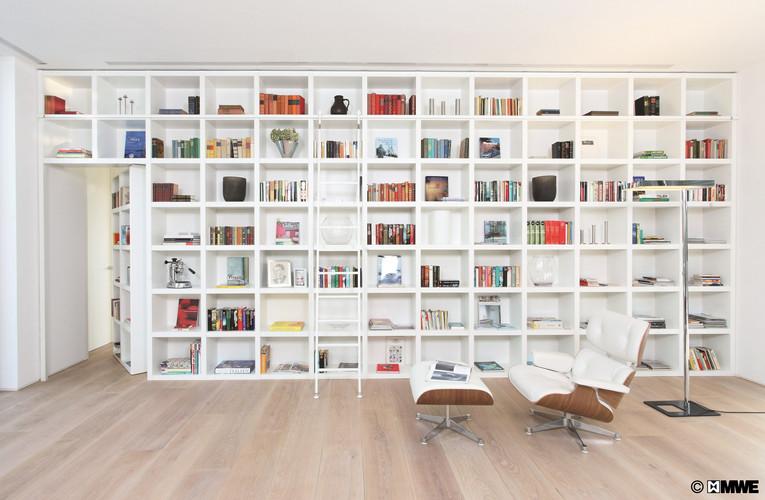 Interior Ladder for Bookshelf