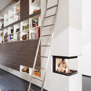 MWE Leaning Ladder