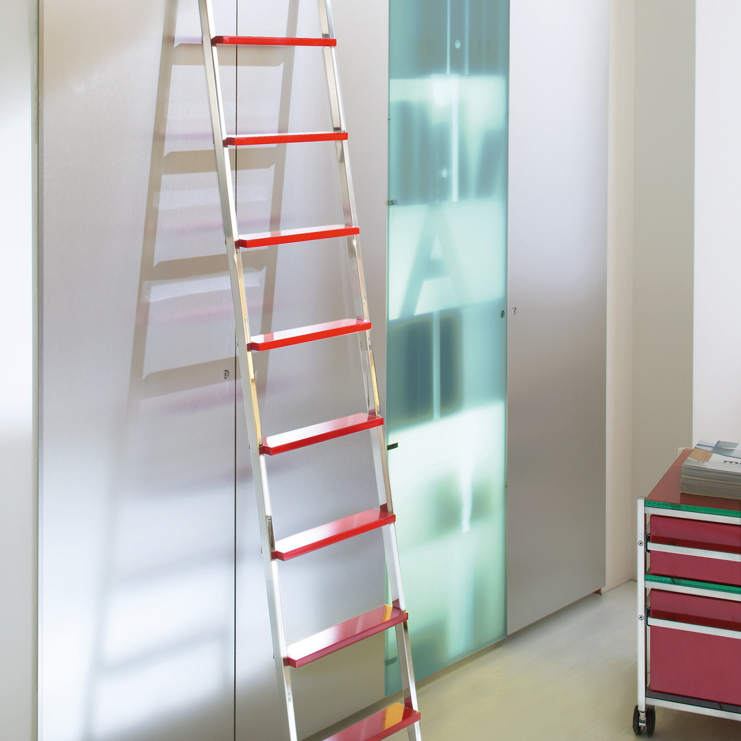 MWE Sliding Telescoping Ladder