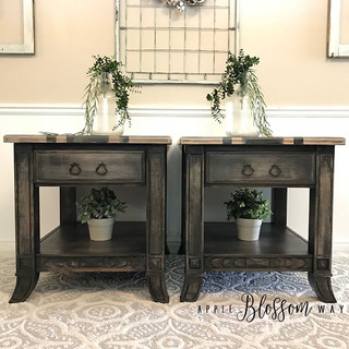 {SOLD} These stunning farmhouse style si