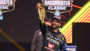 DeFOE LEADS BASSMASTER CLASSIC AFTER DAY ONE