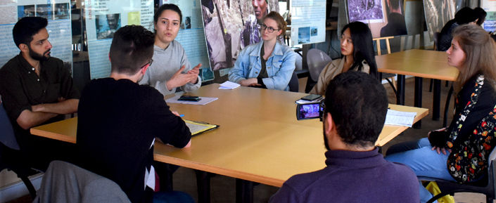 Media Arabic students record a cultural excursion