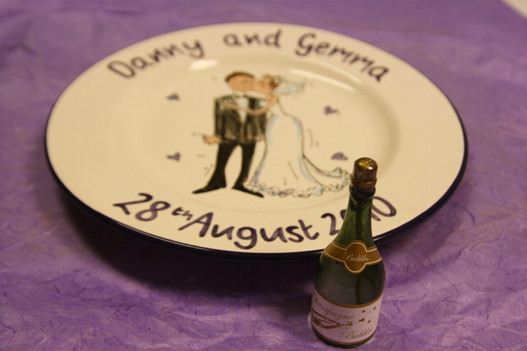 personalised wedding plate with bride and groom