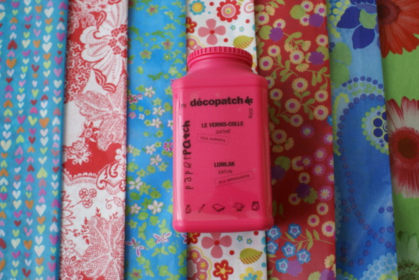 Decopatch papers and glues