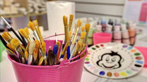 Paint brushes, colour plate and paints