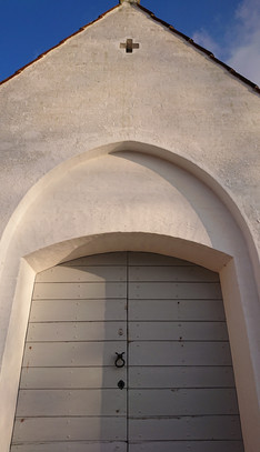 Renoveret stik over dør, der både er visuelt flot og særdeles æstetisk.