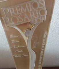 """Estatuilla de Oro en """"Premios Rosario Show"""""""