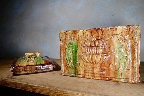 A Large 19th Century Scottish Earthenware Majolica Bread Box