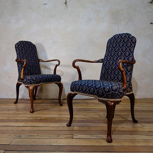 A Pair Of Queen Anne Upholstered Open Armchairs - Shepherd crook Arms