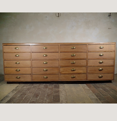 Large Multiple Bank Of Drawer Kitchen Counter