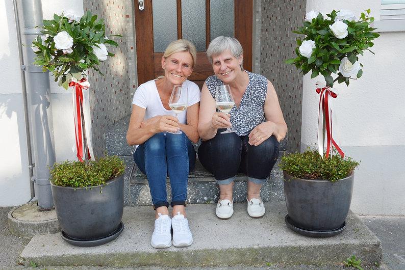 ROSENGARTEN_Stephanie&Gaby