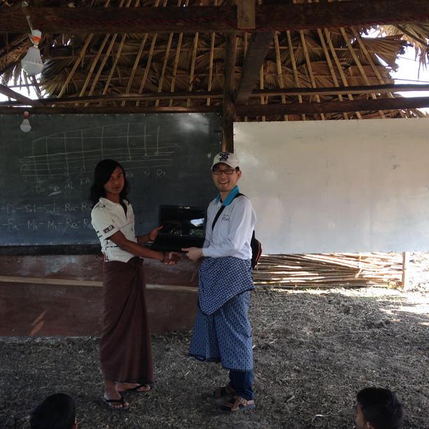 2018_Laptop_Aye Learning Center.JPG