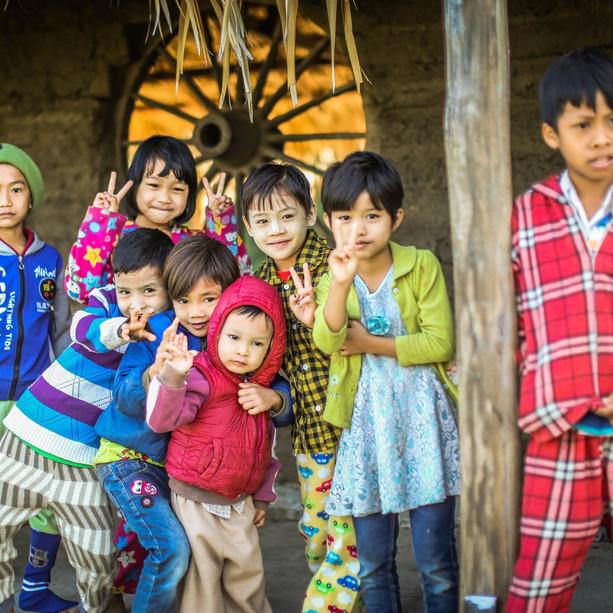길벗들 덕분입니다. 코로나로 굶주리는 미얀마 이고마을 사람들에게  우리의 마음을 잘 전달했습니다. 오늘 (5월14일) 길벗들이 모아준 1,310,000원/1,057$ (환율 1,240)  이고마을의 이고러닝센터 교장인 띠아조 Thiha Zaw에게 보냈습니다. 우리 길벗들  좋은 일 하셨습니다.
