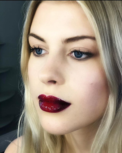 Bold and beautiful lips!