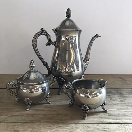 Cafetière/pot à lait/sucrier en métal argenté  - S098