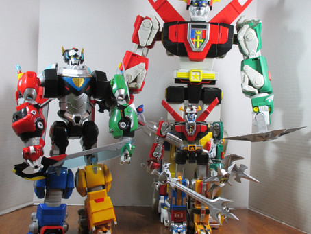 Toy Review - Voltron vs Voltron vs Voltron!